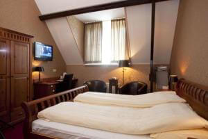 AMSTERDAM VILLAGE HOTEL