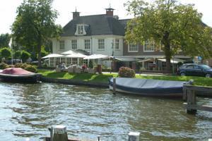 HOTEL DE NEDERLANDEN